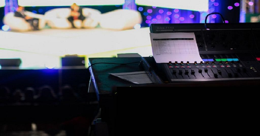 NIGERIA: UNE TÉLÉVISION ET UNE RADIO PROCHES DE L'OPPOSITION ROUVERTES SUR DÉCISION DE JUSTICE