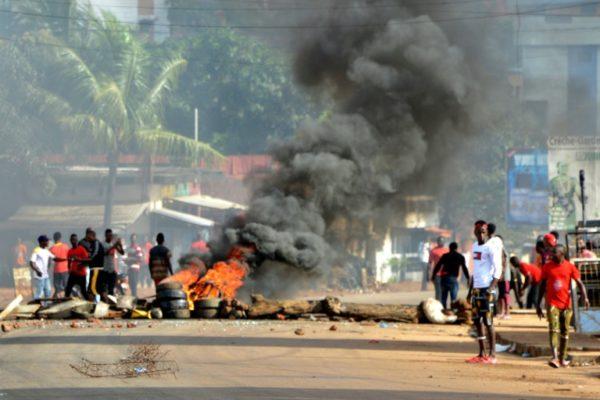 CRISE POLITIQUE EN GUINÉE: L'OPPOSITION APPELLE À POURSUIVRE LES MANIFESTATIONS