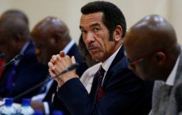 Bostwana : accusé de corruption, l'ex-président Khama contre-attaque en justice