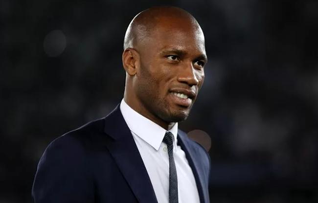 FOOTBALL /  Election à la Fédération Ivoirienne de Football Didier Drogba dépose son dossier de candidature dans la ferveur